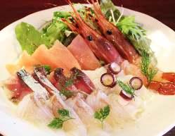 富山のきときと鮮魚をたっぷり使用!
