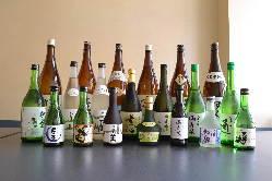 富山の地酒を豊富にご用意。