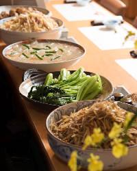 串焼きなど、新鮮な食材を活かした料理をご賞味ください。