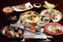 ご会合やご宴会に最適な当店のコース料理。是非ご利用ください。