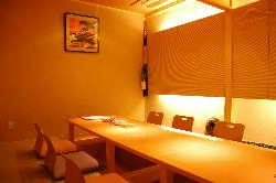個室席を完備しておりますので、会食や接待などにもどうぞ。