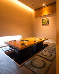 掘りごたつの個室は各種宴会の他、接待にもピッタリです♪