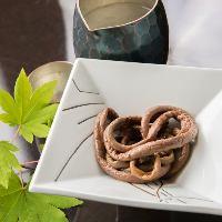 山の食材、海の幸、四季折々の極上の会席料理に舌鼓。