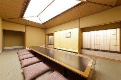 和個室 落ち着いた雰囲気の空間。慶事や法事にご利用下さい。