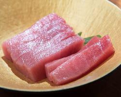 鮮度抜群の魚介は日本全国の良いものを厳選いたしました!