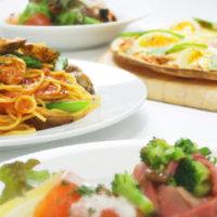 デザートとサラダ・ピザ・パスタが選べる人気のクアトロセット♪