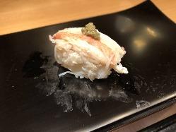 ランチに、一日の終わりに、美味しいお寿司で至福のひととき
