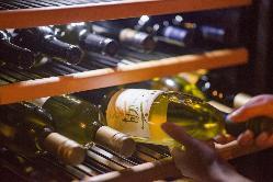 オーナーシェフが料理にピッタリの日本ワインをセレクト