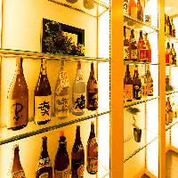 焼酎や日本酒などの地酒も全国各地から取り揃え!
