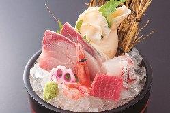【旬の食材】 近海の魚介類をはじめとした新鮮素材を使用!