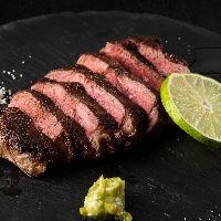 【厳選国産牛】 食べ応え抜群のステーキはワインと合わせて♪
