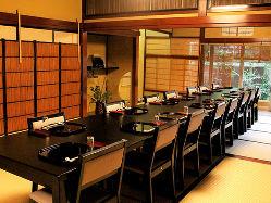 【歴史ある個室】 お客様のシーンに合わせた個室がございます。