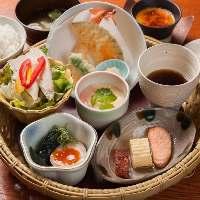 【充実ランチ】 おすすめ月替わり御膳やご飯大盛り無料の定食も