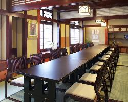 モダンな造りの洋個室2~16名様用など多数ご用意しております。