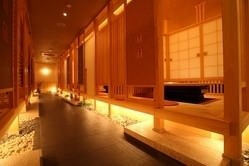 掘りごたつ式の和室は最大70名様まで宴会可能