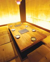 最大8名様までご利用いただける茶屋風個室。