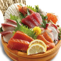 たっぷり海鮮尽くし!!当店名物海鮮市場盛り!