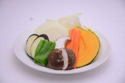 鮮度にこだわった野菜を取り揃えております。お肉と一緒に◎