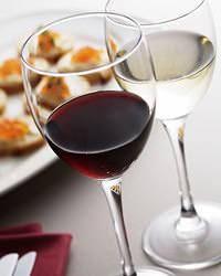ぎをん椿庵はワインにこだわり、他では味わえないワインが自慢。