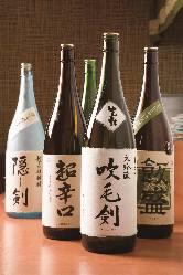 各種地酒、日本酒取り揃えております。