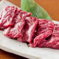 【食べ応え抜群】 その厚さに驚き!お肉の旨みが噛むたび溢れる