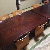 お座敷やテーブル、カウンターなど幅広いシーンに対応。