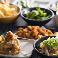 天婦羅・からあげ・サラダなど逸品料理も多彩なラインナップ