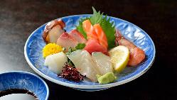 その日の美味しい鮮魚をぜひお造りでご堪能くださいませ。