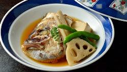 甘辛く煮た鮮魚はこれからの季節にぴったりです。