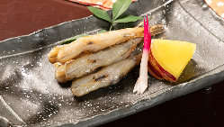 塩焼きや天麩羅など、新鮮魚介を多彩な調理法でお届けします!