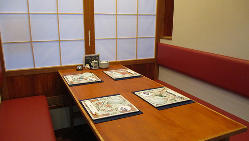 限定1卓のテーブル席は2~6名様までご利用いただけます。