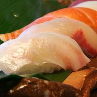 <新鮮ネタが活きる寿司> 季節に合った旬のネタを ご提供!