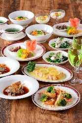 厳選した食材アワビ、フカヒレ、北京ダックの豪華料理も豊富。