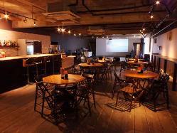 広々とした空間で貸切パーティーをどうぞ!ステージなども完備。