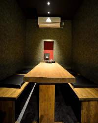 プライベートなひと時に。落ち着いた雰囲気の個室も完備