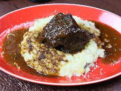 <お料理> じっくりと丁寧に煮込んだ「牛ホホ肉の赤ワイン煮」