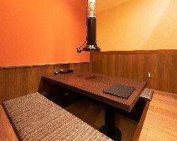 6名様用の完全個室の掘りごたつ席は2部屋ご用意。