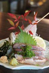 生簀から出たばかりのお魚はお造りでのお召し上がりが一番です。