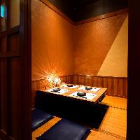 情緒あふれる和モダン個室。 ご宴会や接待にも最適です。
