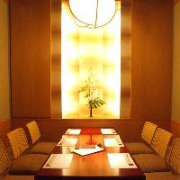 【花梨の間】最大6名様までご利用頂ける掘りごたつ式完全個室。