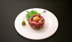 仙台牛レアステーキユッケ風、バリバリ特製タレが絶妙に合います
