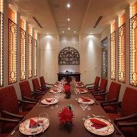 中国の五行の属性「火」を イメージした豪華な個室