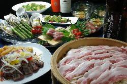 コース料理は3600円と 4100円、贅沢5000円。飲み放題付き
