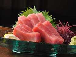 新鮮なお刺身も各種ご用意しております。