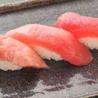 【新鮮魚介】 市場から直送で届く旬の魚を鮨や刺身で召し上がれ