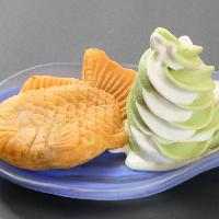 【デザート】 クレープやアイスなど食後のデザートもございます