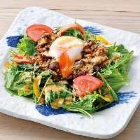 生野菜を手軽に食べれる彩り野菜のバーニャカウダはおすすめ