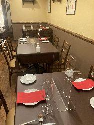 ◆2階はテーブル席◆ 12~18名様での貸し切りも可。