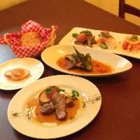 ◆コース料理も充実 3000円〜おまかせコースは4500円