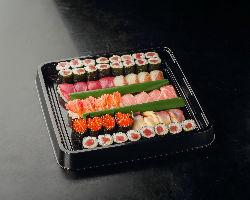 親方一押し宴会コース (税別5,000円)は海鮮盛り沢山!